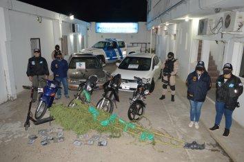 Secuestraron vehículos, plantas y dinero en allanamientos por narcomenudeo