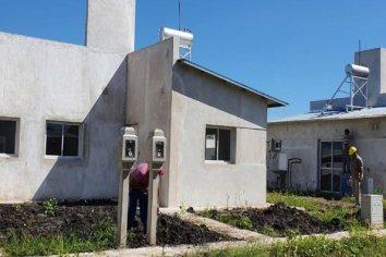 Rubricaron contrato para la terminación de 10 nuevas viviendas en Rocamora