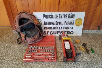 Delincuentes robaban elementos de un deposito judicial de vehículos