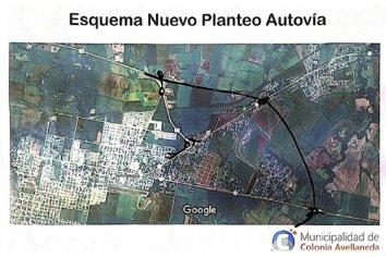 """""""Hoy los vecinos de Colonia Avellaneda y Las Acacias vuelven a reunirse con el delegado de Vialidad Nacional"""" sostuvo Weis"""