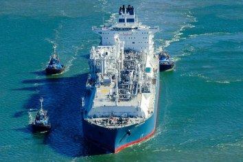 Como en el Canal de Suez: un buque gasero varado bloquea el comercio exterior argentino
