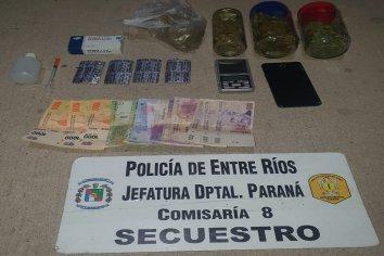 Detuvieron a un joven en actitud sospechosa, lleva droga, dinero y una balanza electrónica