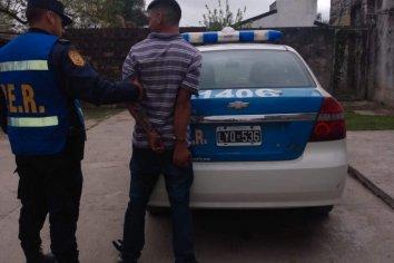 Joven detenido por amenazar a su madre y dañar la vivienda
