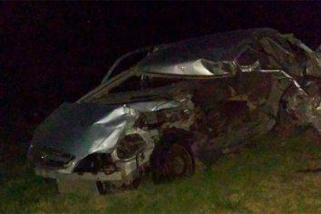 Conductor falleció luego de que un acoplado diera con su auto