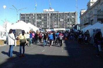 Comenzó la Feria de Carreras