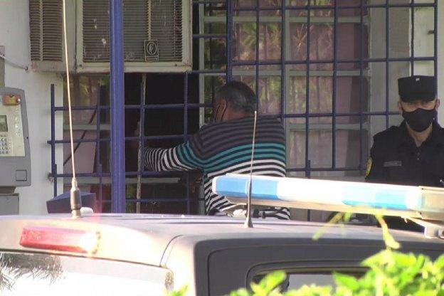 Tensión en la Toma Vieja: Se entregó el hombre que amenazaba con incinerarse