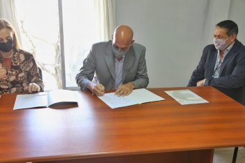 Colonia Avellaneda firmó Convenio con UADER