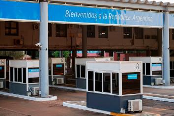 Argentina recibió a los primeros turistas de Brasil y Chile a través de Misiones y Mendoza