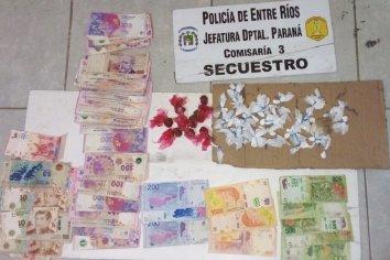 Salió corriendo al ver la policía porque llevaba droga y dinero en su poder
