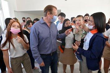 Bordet inauguró el nuevo edificio de la escuela secundaria de Colonia Ayuí