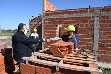 Construirán 46 viviendas para trabajadores municipales de Concepción del Uruguay y Chajarí
