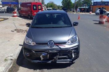 Accidente de transito y vuelco en calle Rondeau