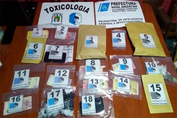 """Policía de Entre Rios y Prefectura desbarataron un """"kiosco"""" de droga en barrio Paraná XVI"""